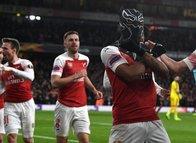 Arsenal'e turu getiren Aubameyang'ın 'maskeli' sevinçleri....