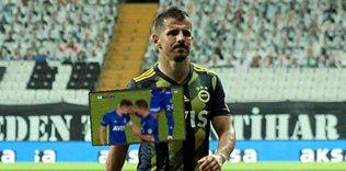 eme belozoglu kaptanlik bandini omer faruk beyaza verdi 1595708389945 - Fenerbahçe 3-1 Çaykur Rizespor   MAÇ SONUCU