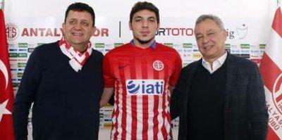 Salih Dursun Antalyaspor'da!