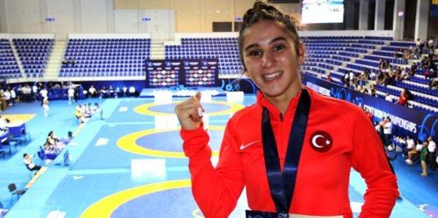 Zeynep Yetgil'den bronz madalya