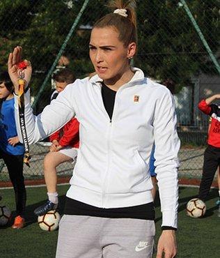 Futbolla sokak aralarında tanışan Özlem Önder antrenör oldu