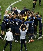 Dünya Kupası ev sahiplerine yaramıyor