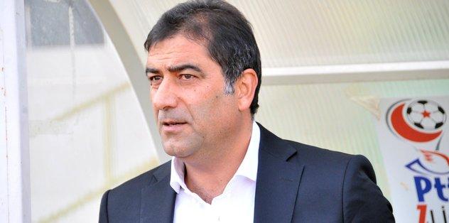 Trabzonspor'da Ünal Karaman için imza töreni düzenlendi