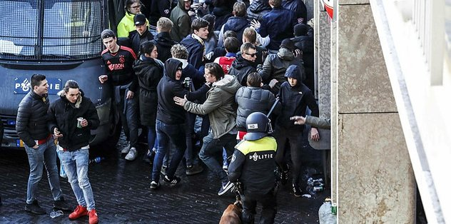 İtalya 54 Hollandalı taraftarı sınır dışı ediyor