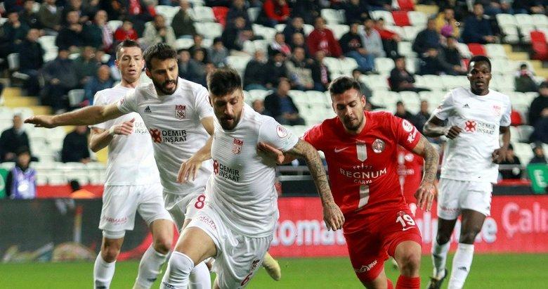 Antalyaspor - Sivasspor maçından kareler...