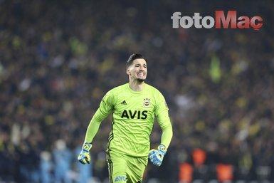 Efsane isim, Fenerbahçe'nin kalecisi Altay Bayındır'ı takibe aldı!
