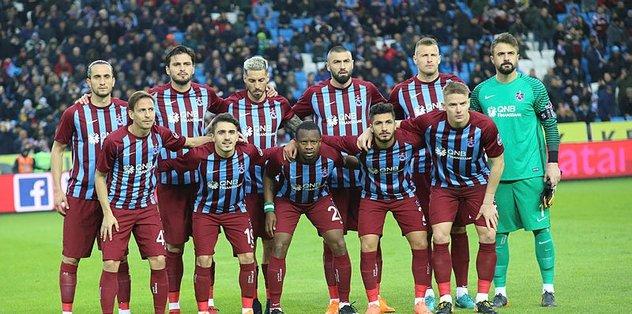 Trabzonspor'da kadro yine değişiyor - Son dakika Trabzonspor haberleri -  Fotomaç
