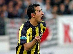 Serhat Akın çıldırdı! 'Mesut Özil' sözleri Fenerbahçe taraftarının tepkisini çekti
