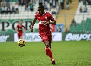 Galatasaray Sivas'ın Brezilyalı oyuncusu Robinho'yu alacak