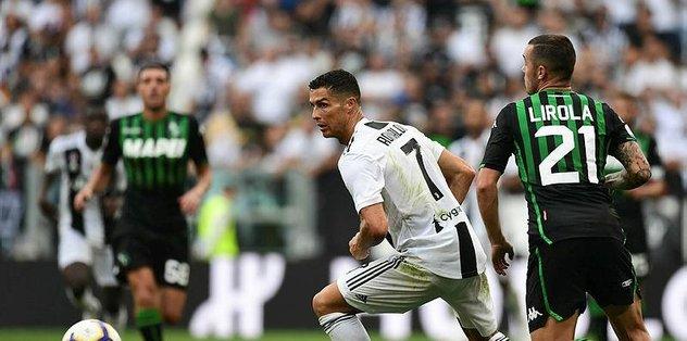 Ronaldo Juventus'ta golle tanıştı