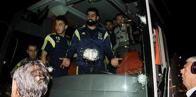 Fenerbahçe'ye saldırıya FETÖ'cü tim karartması