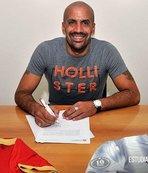 Başkanı olduğu kulüple sözleşme imzaladı