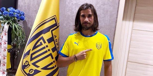 Tiago Pinto, MKE Ankaragücü ile olan sözleşmesini tek taraflı feshetti