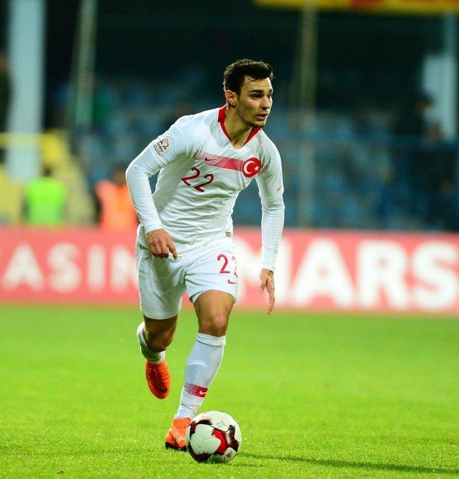 Fenerbahçe ve Beşiktaşın Kaan Ayhan savaşı!