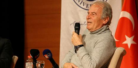 """Mustafa Denizli: """"Ülke futbolunu ayakta tutacak olan altyapıdır"""""""