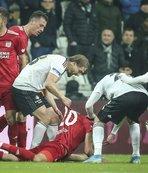 Caner Erkin'den Sivassporlu oyuncunun sırtına 'elti tokadı'