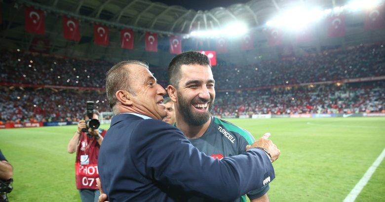 Galatasaray taraftarından Arda Turan resti! O gelmezse...