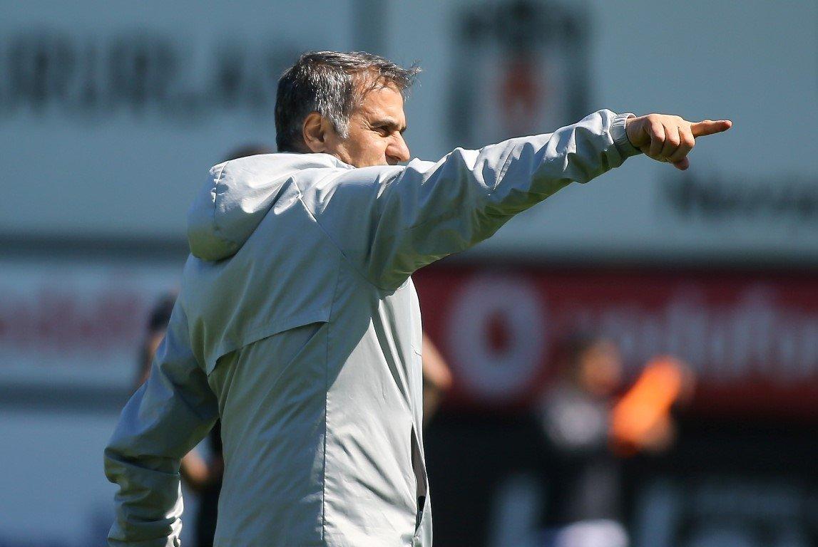 Şenol Güneş takımdan Akhisar maçına odaklanmalarını istedi
