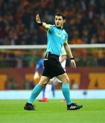 Halil Umut Meler, VAR'a danışıp penaltıyı iptal etti