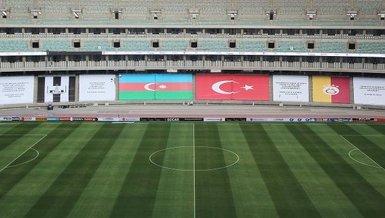 Bakü'de 'kardeşlik' mesajı! Stadyum pankartlarla donatıldı