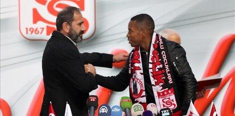 Sivasspor signs Brazilian star Robinho