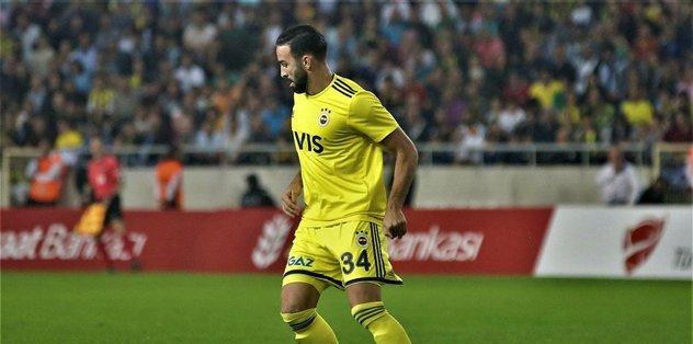 Fenerbahçe'de Adil Rami'nin sözleşmesi feshedildi