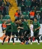 Akhisarspor, sergilediği futbol ile alkış topladı