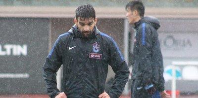 Trabzonsporlu oyuncu kamptan ayrıldı