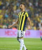 Mehmet Topal, taraftara sitem etti