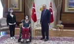 Başkan Erdoğan milli voleybolcuMeltem Çetin'i kabul etti