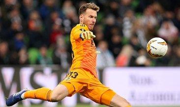 Barcelona kaleci Neto'yu 26 milyon Euro'ya transfer etti