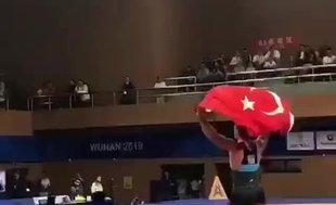 Taha Akgül'den 125 kiloda altın madalya