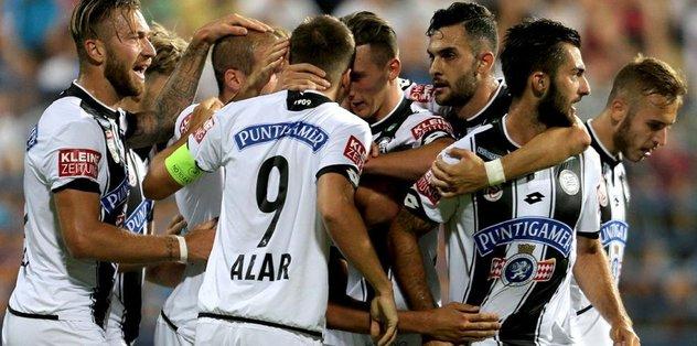 Sturm Graz lige 3 puanla başladı