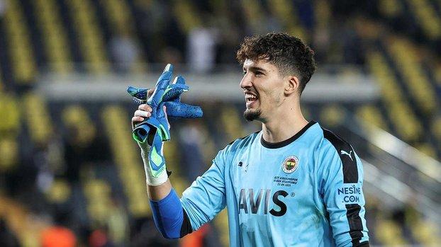 Fenerbahçeli Altay Bayındır için flaş transfer iddiası! Newcastle sahibi Suudi milyarder...