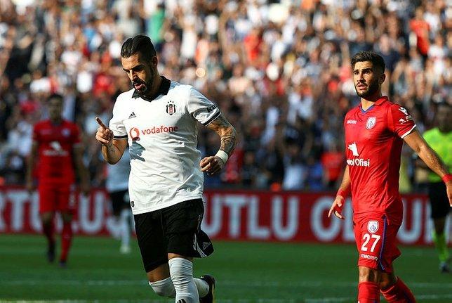 Beşiktaş Negredo için Al Nassr ile anlaştı.