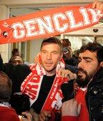 Antalyaspor Podolski'yi bu videoyla açıkladı!