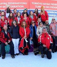 Yıldız Dağı'nda snowboard yarışları