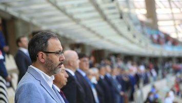 Bakan Kasapoğlu, Özdemir ile izledi
