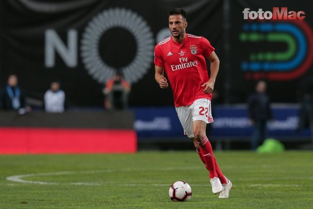 Galatasaray'a Benfica'dan Samaris müjdesi