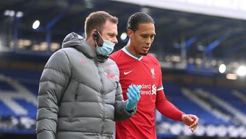 Liverpool draw with Everton; Reds suffer injuries