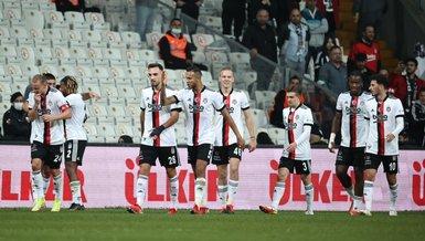 Besiktas barely beat Sivasspor 2-1, Black Eagles manager sent off