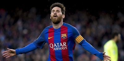 Barca extends Messi's contract until 2021