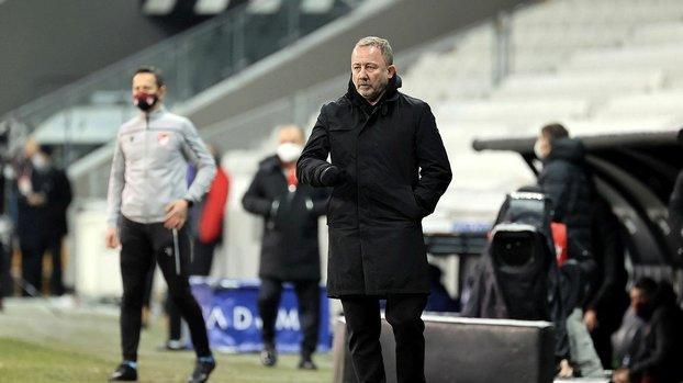 Karagümrük - Beşiktaş maçı öncesi Sergen Yalçın'dan 'ceza sahası' tepkisi! Böyle saçmalık olur mu? #