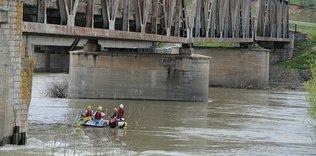 Murat Nehri'nde rafting heyecanı