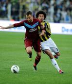Trabzonsporlu eski futbolcu Giray Kaçar'dan hakeme tepki!