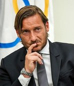 Totti launches attack on Roma
