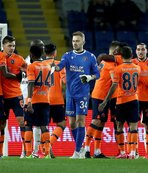 Medipol Başakşehir'den Sporting paylaşımı