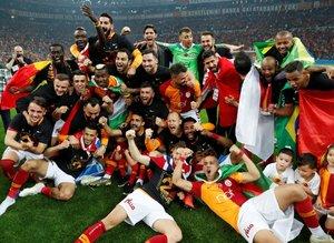Galatasaray şampiyonluğu böyle kutladı! İşte görüntüler
