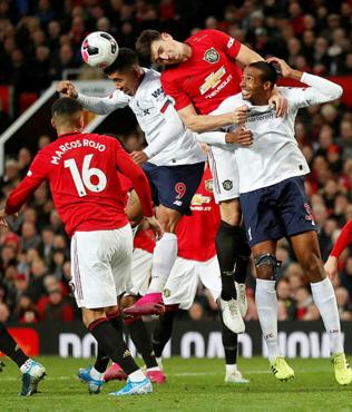 Manchester United Liverpool'a 'dur' dedi!