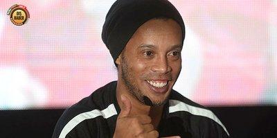 Barcelona'dan Ronaldinho onuruna maç